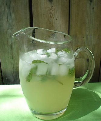 Sunday Sippers:  Pitcher Mojitos