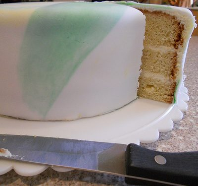 Mild Coconut Cake and How to Cover a Cake with Fondant