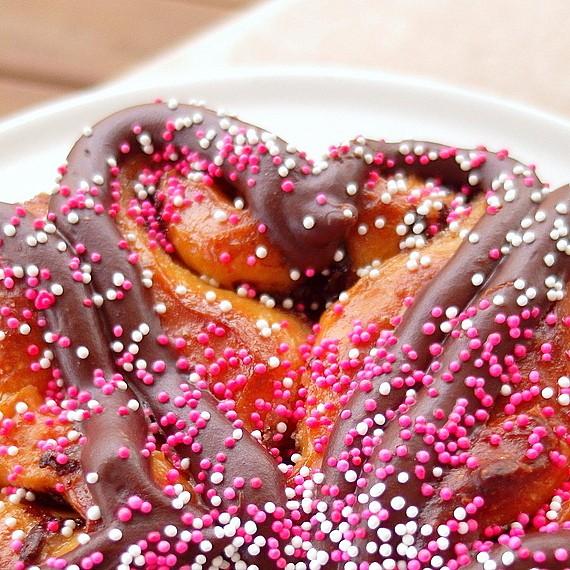 chocolate sweetheart honey bun sweet rolls 2