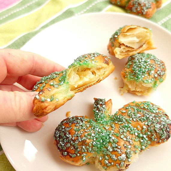easy chocolate mint shamrock hand pies 5