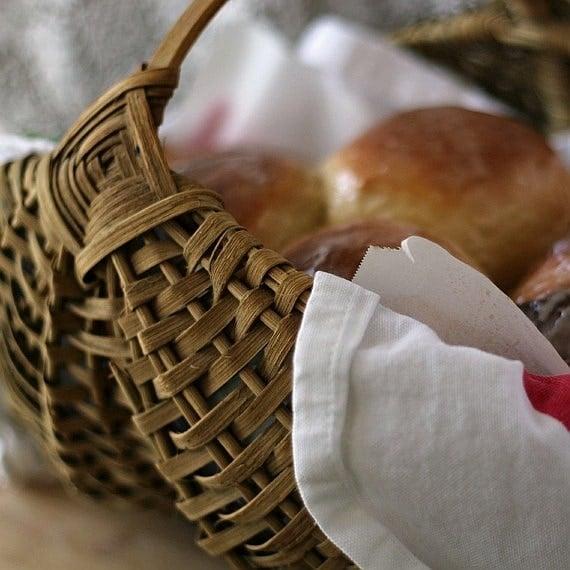 oil lamp and saffron bread 028a