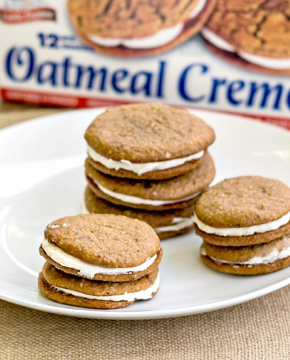 This is the best Little Debbie Oatmeal Creme Pie CopyCat recipe. The sandwich cookies don't just look like Little Debbies, they taste like them, minus the chemicals and artificial flavors. You will be amazed, and your kids will love these lunch box treats! | pastrychefonline.com