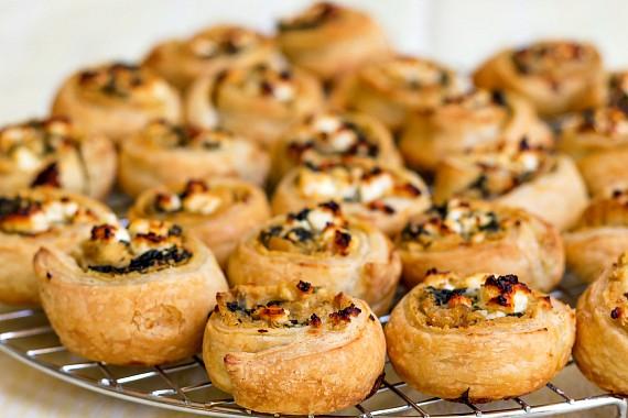 Hummus Pinwheels with Spinach and Feta | National Hummus Day | Sabra Tastemakers