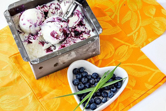 Blueberry Lemongrass Ice Cream | pastrychefonline.com
