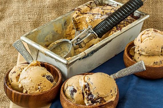 Caramel almond butter stracciatella | pastrychefonline.com