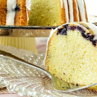 blueberry lemongrass pound cake | pastrychefonline.com