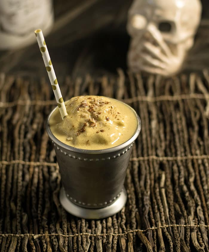 This vegan pumpkin pecan shake from The Ghoulish Gourmet by Kathy Hester will help set a spooky and delicious tone for your Halloween party! #sponsored | pastrychefonline.com