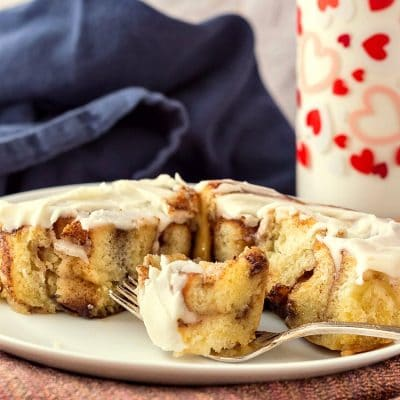 Soft and Gooey Cinnamon Rolls Stay Fresh for Days!