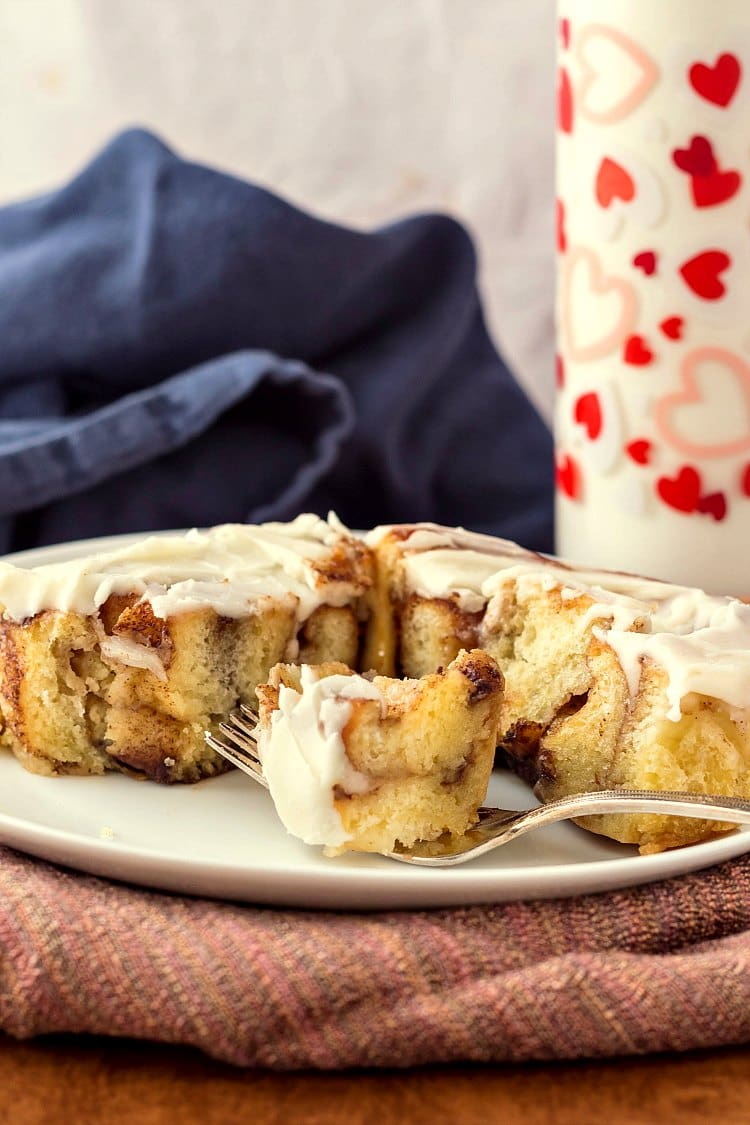 These soft gooey cinnamon rolls are made from sweet dough with 1/2 pound of mashed potatoes in it. The starches keep the rolls nice and soft for days. If you are a fan of soft, gooey cinnamon rolls, this is the cinnamon roll recipe you need! Brought to you in partnership with the Idaho Potato Commission. #ad   pastrychefonline.com