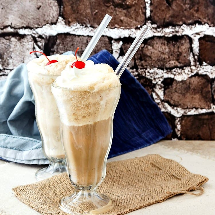 There is no more nostalgic drink for me than an old fashioned, creamy root beer float. Learn the secret of making a root beer float creamy from the first sip.   pastrychefonline.com
