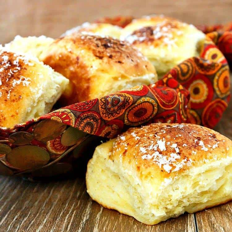 the best rolls for Thanksgiving. garlic Parmesan pull-apart rolls with Idaho potatoes