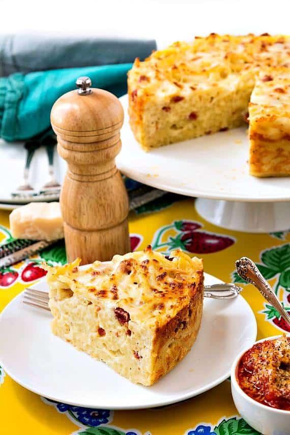 bucatini pie with marinara sauce