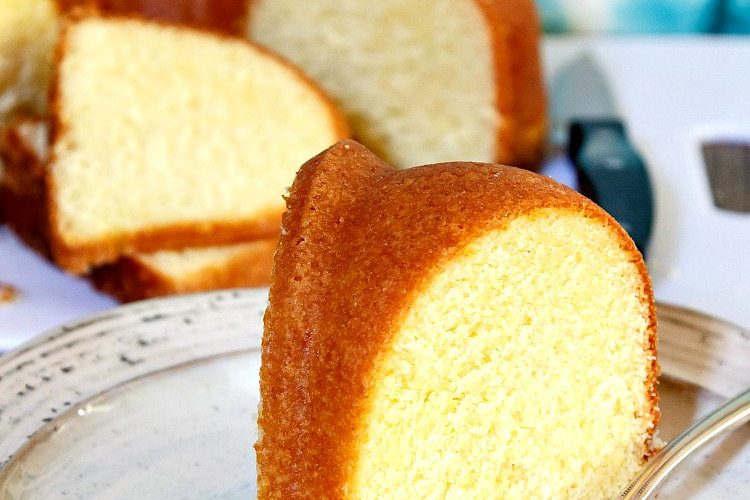 Lemon Corn Buttermilk Pound Cake #SummerDessertWeek