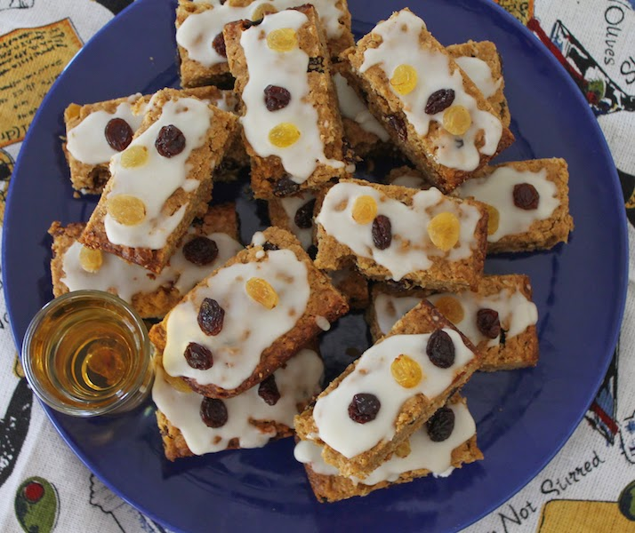 Whiskey Raisin Oatmeal Bars #CreativeCookieExchange