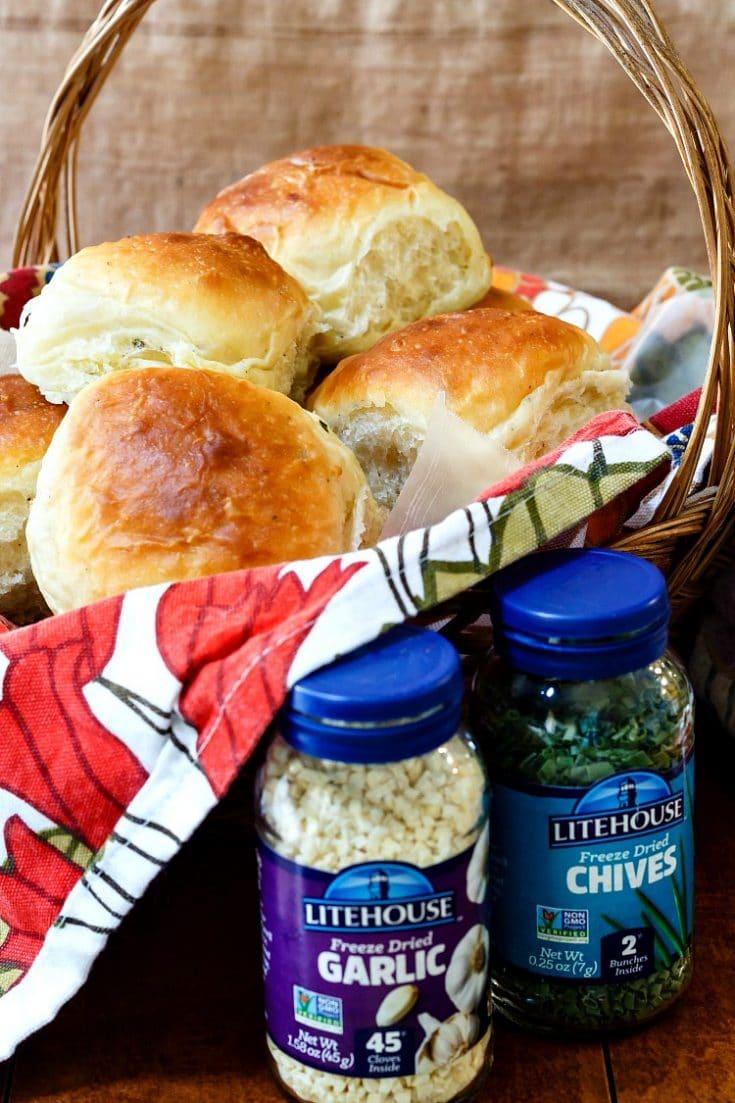 Soft Dinner Rolls | Garlic Chive Potato Rolls