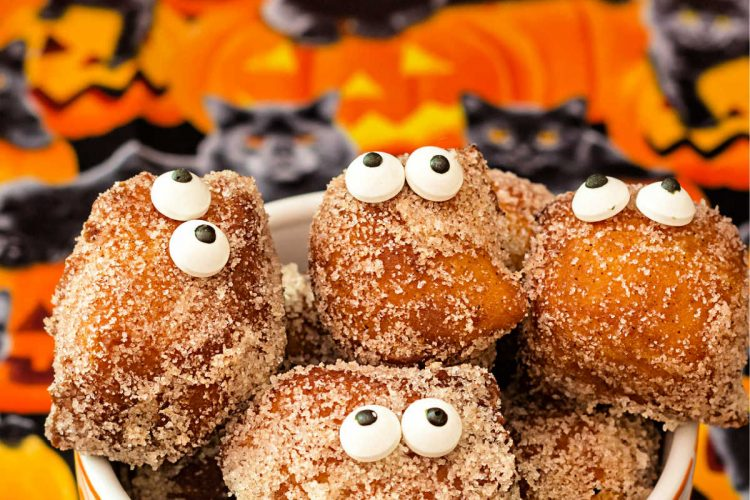 pumpkin spice donuts with eyes for Halloween
